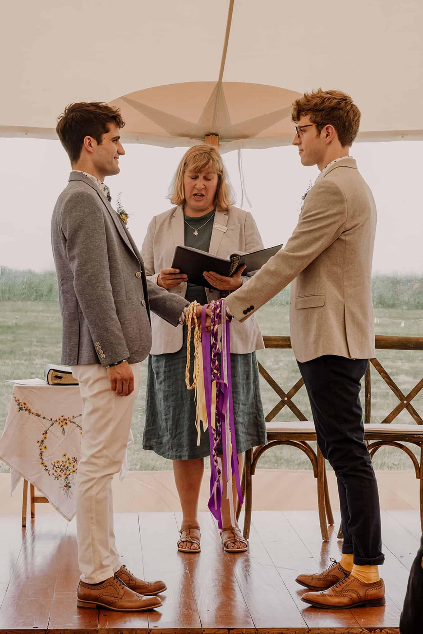 newdowns-farm-wedding-ceremony-cornish-celebrants-tom-peter-0004