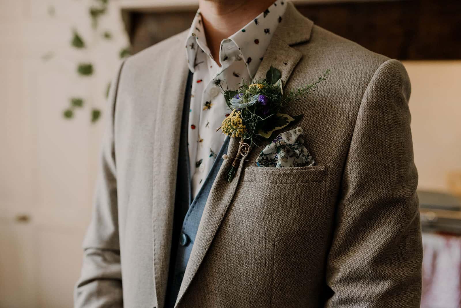 newdowns-farm-wedding-flowers-flower-shed-trebilcocks-tom-peter-0003